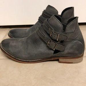 Free People Braeburn gray booties  sz 7/37